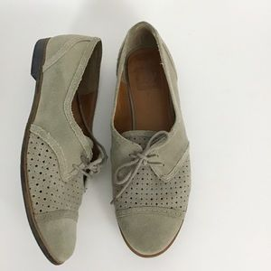 Dolce Vita Gray Suede Perforated Oxford Wingtip